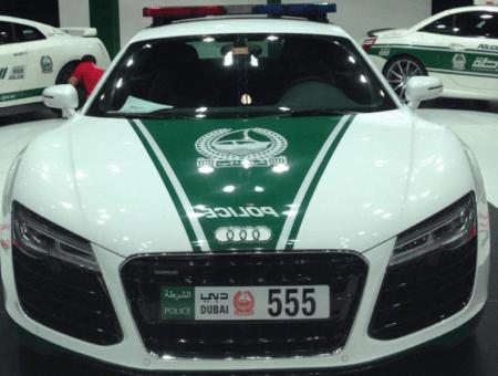 Автомобили полиции Дубая - Bugatti Veyron и другие5