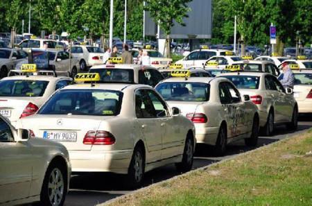 Пять знаменитых марок автомобилей, занятых в такси6