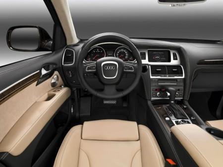 Audi Q7: салон