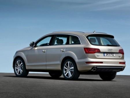 Audi Q7: вид сзади