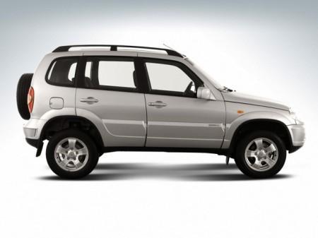 Chevrolet Niva: вид сбоку