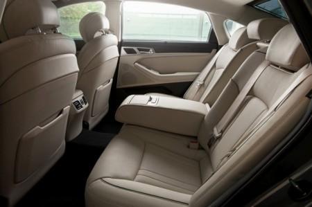 Hyundai Genesis 2: интерьер