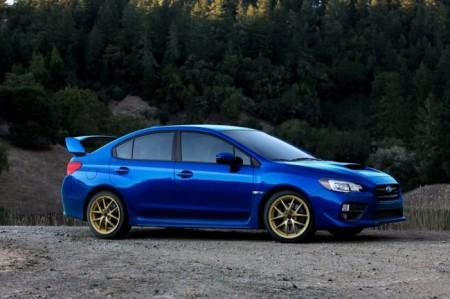 Subaru WRX STI 2015: вид сбоку
