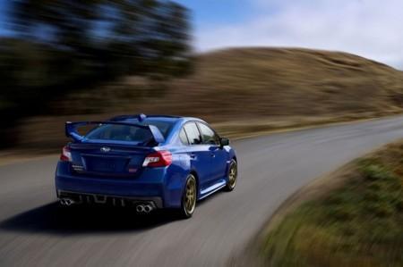 Subaru WRX STI 2015: вид сзади
