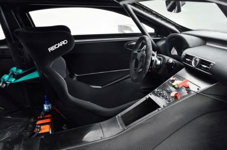 Лексус RC F GT3: салон