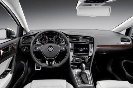 Volkswagen New Midsize Coupe: салон