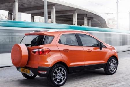 Форд ЭкоСпорт: вид сбоку