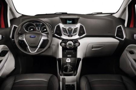 Форд ЭкоСпорт: салон
