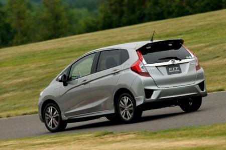 Хонда Джаз 3 2014: вид сзади