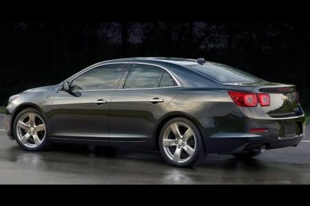 Chevrolet Malibu 2014: вид сбоку