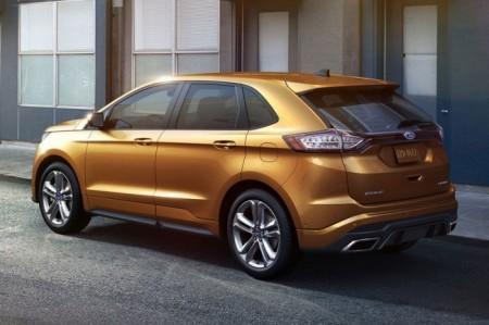 Форд Эйдж 2 2015: вид сзади