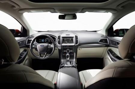 Форд Эйдж 2 2015: салон