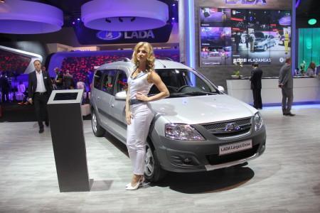 Лада Ларгус Кросс на Московском автосалоне-2014