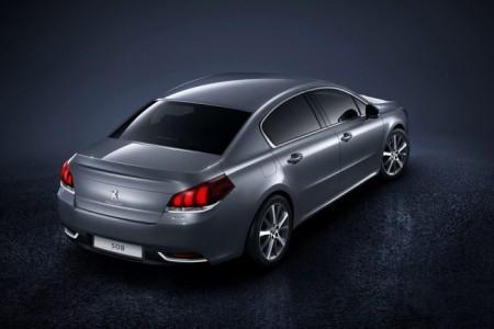 Peugeot 508 2015: седан