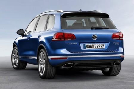 Volkswagen Touareg 2015: вид сзади