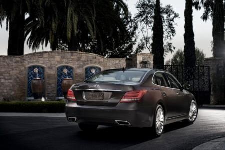 Hyundai Equus: вид сзади