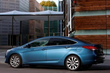 Hyundai i40: вид сбоку