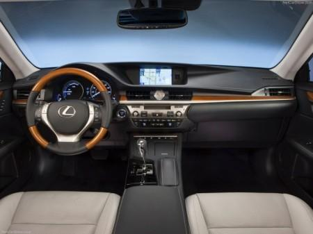 Lexus ES: салон