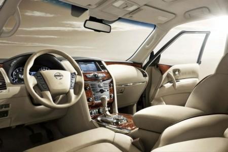 Nissan Patrol (Y62): салон