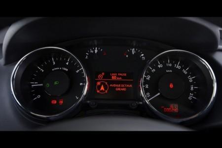 Peugeot 3008: панель приборов