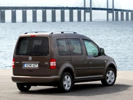 Volkswagen Caddy Life: вид сзади