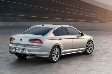 Volkswagen Passat B8: вид сзади