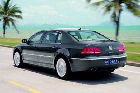 Volkswagen Phaeton: вид сзади