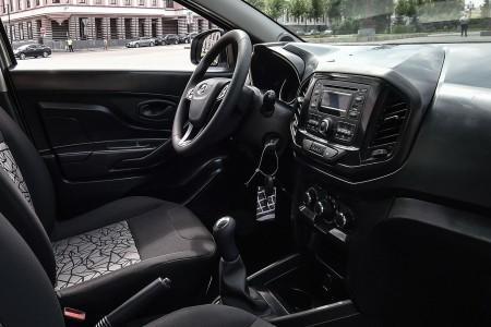 интерьер предсерийной Lada XRay
