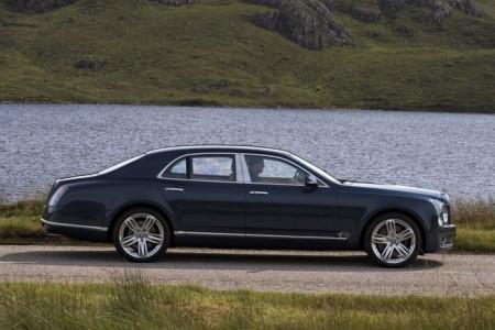 Bentley Mulsanne: вид сбоку