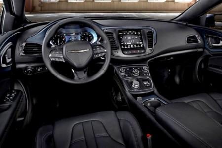 Chrysler 200 II: салон