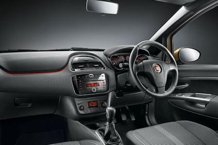 Fiat Punto Evo: салон