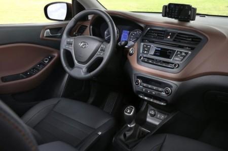 Hyundai i20 (2015): салон