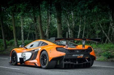 McLaren 650S GT3: вид сзади