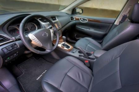 Nissan Sentra: салон