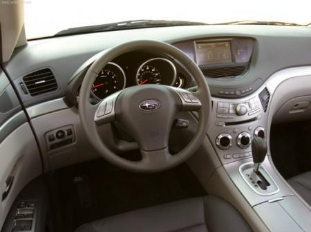 Subaru B9 Tribeca: салон