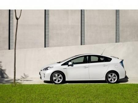 Toyota Prius XW30: вид сбоку