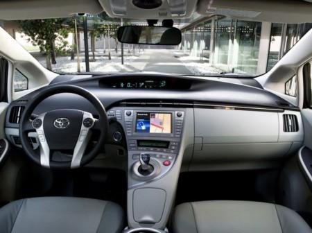 Toyota Prius XW30: салон