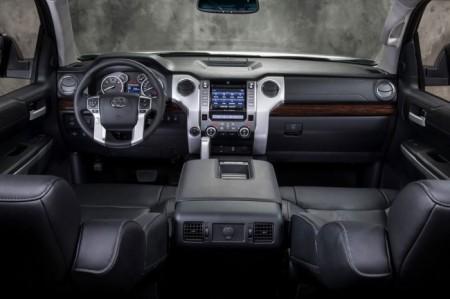 Toyota Tundra 3: салон