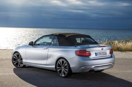 BMW 2-Series Convertible с мягким верхом