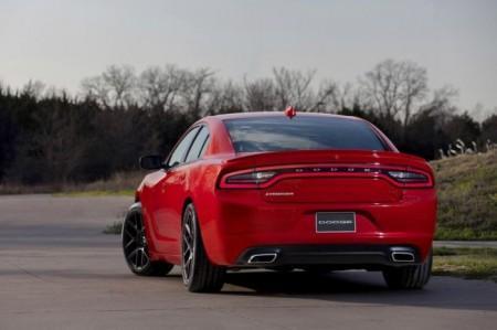 Dodge Charger 2015: вид сзади