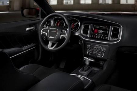 Dodge Charger 2015: салон