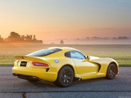 Dodge Viper GTS: вид сбоку