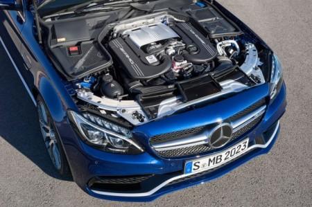 Mercedes C63 AMG 2015 двигатель