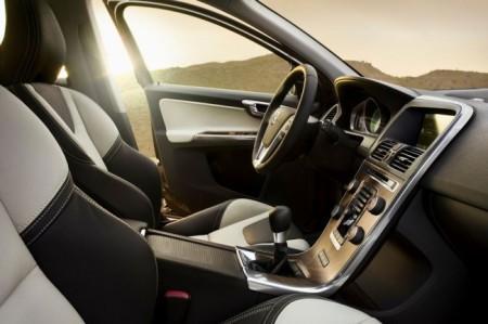 Volvo XC60: салон