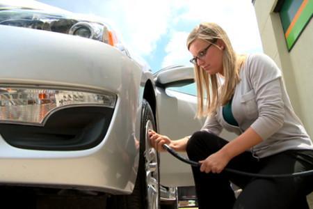 Чем лучше накачивать шины- азот или воздух?