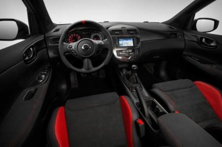 Nissan Pulsar Nismo: салон