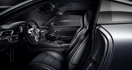 Porsche 911 GTS салон