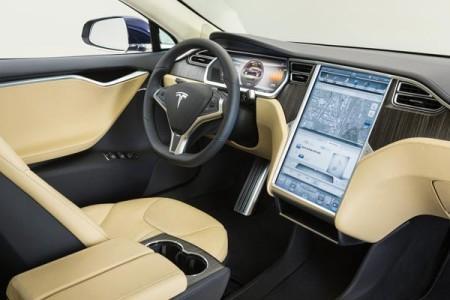 Tesla салон