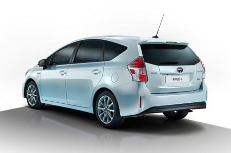 Toyota Prius Plus рестайлинг 2015
