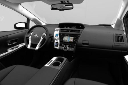 Toyota Prius Plus 2015 салон